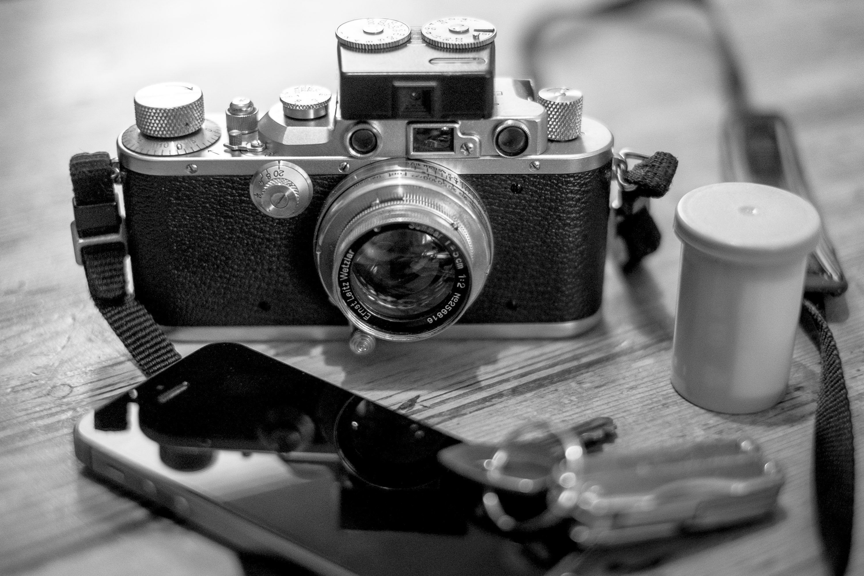 The Genius of Barnack, a Leica iiia & rangefinders on 35mmc