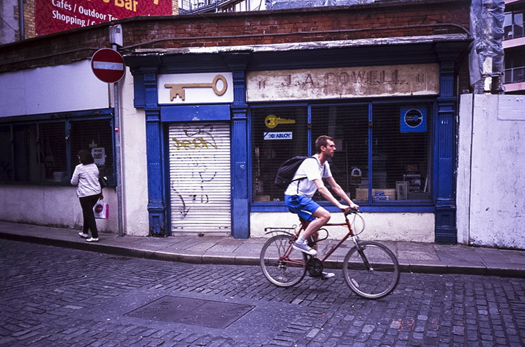The-travelling-Yashica-Dublin-2