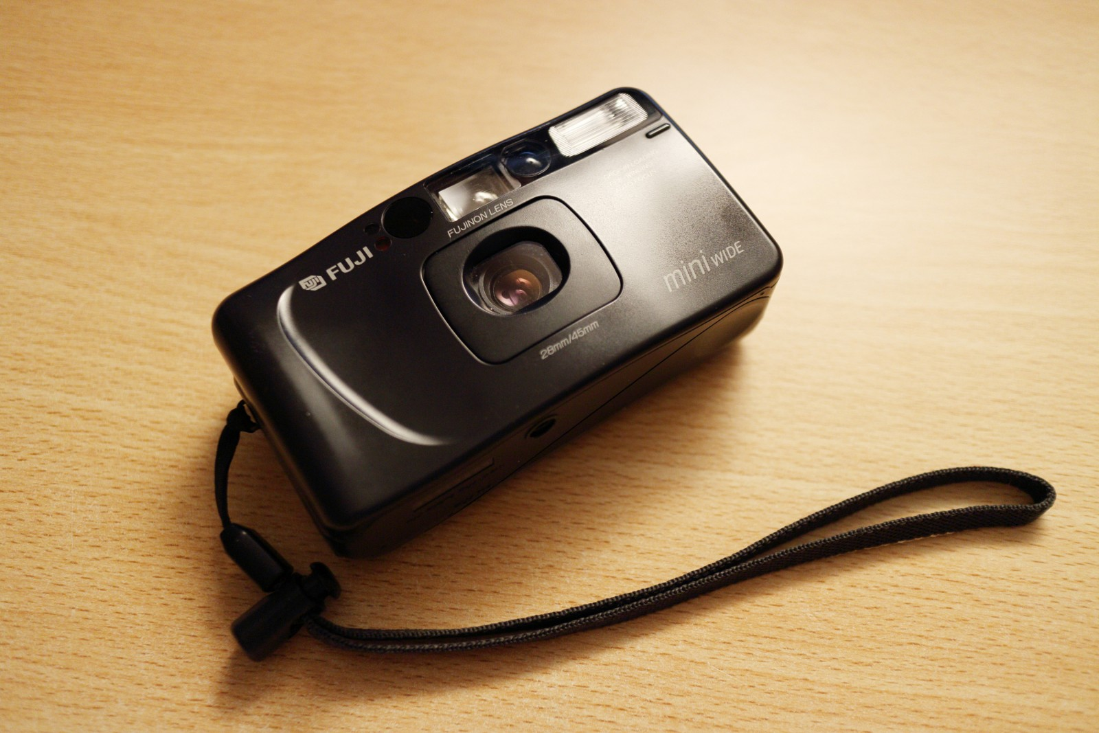 Fuji DL-500 or Tiara's older brother – A guest review by Benn Murhaaya –  NSFW