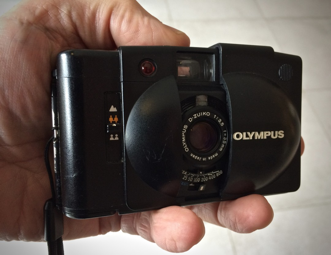 olympus xa2 or why i learned to love a camera guest post by frank rh 35mmc com olympus xa owners manual olympus x-940 instruction manual