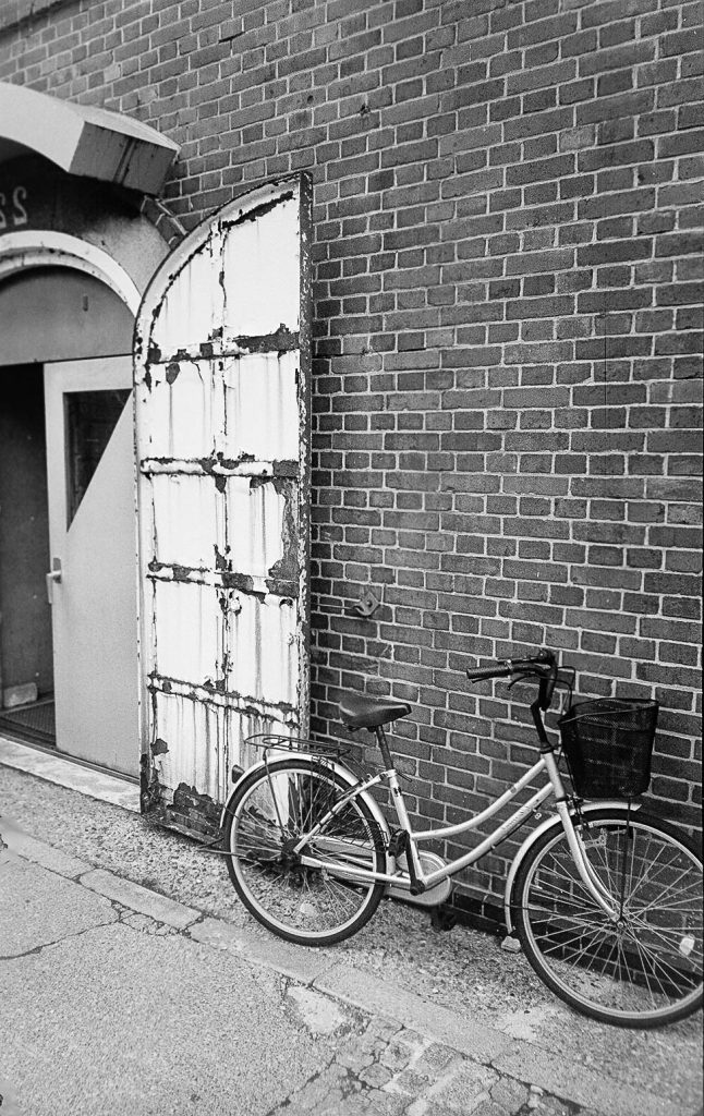 door_bike_hakodate