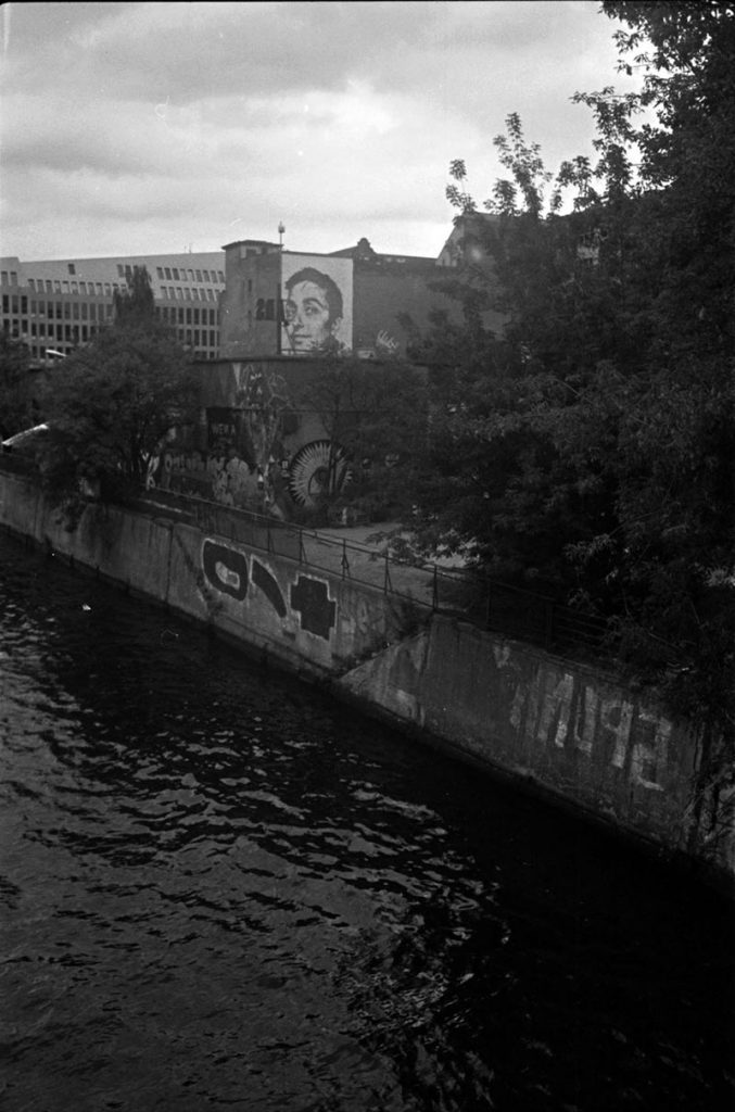 Berlin east side gallery photographed with the Minox 35GT