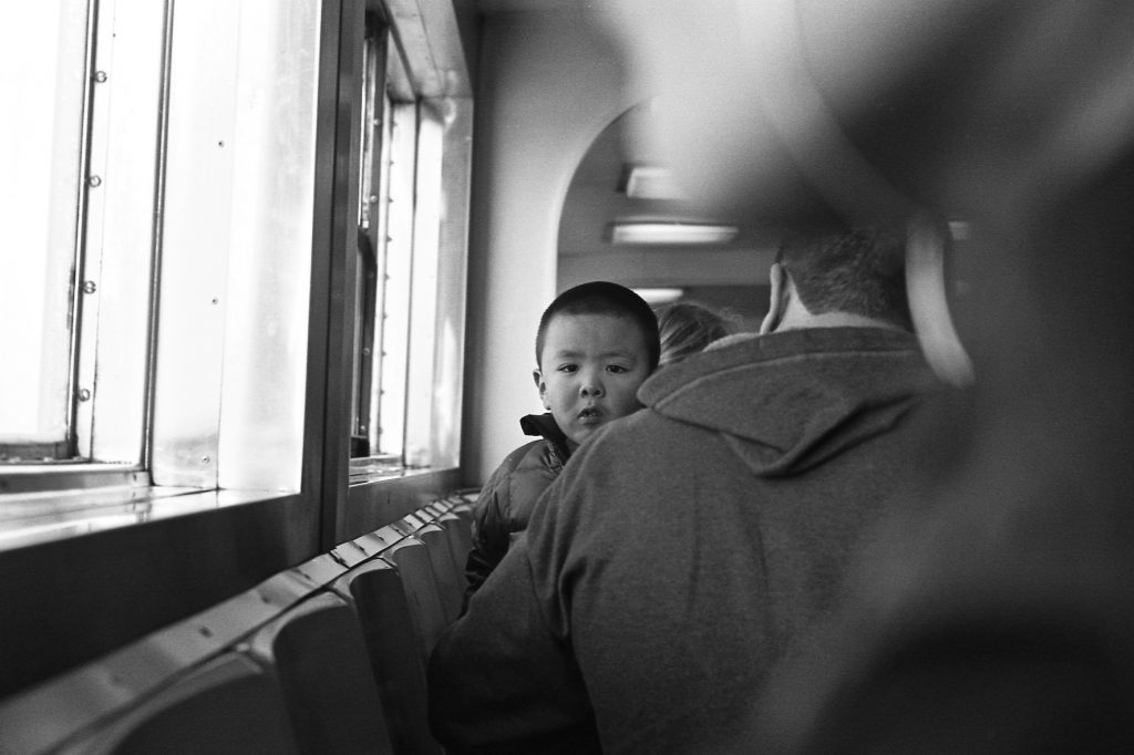 Kid in the ferry - New York (2016) - Leica M6 - 35mm compact camera