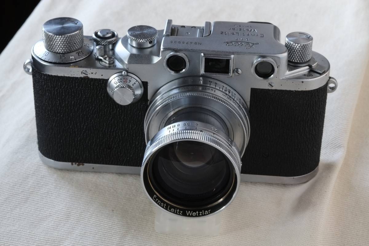 A family member back in operation: my dad's Leica IIIC - by Andrew Morang -  35mmc