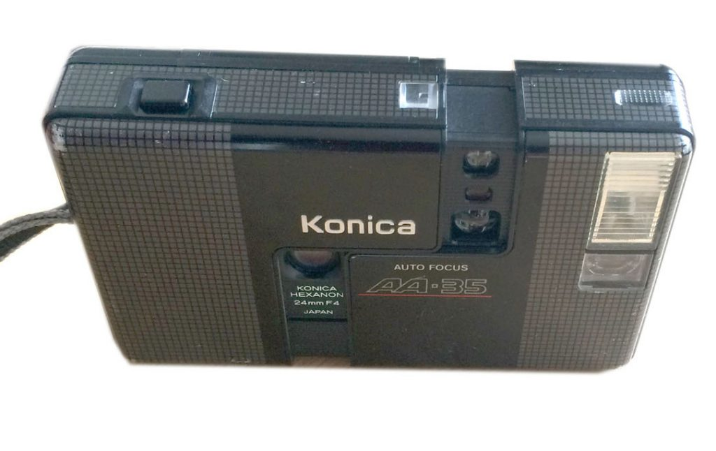 Konica AA-35 Reporter camera front view