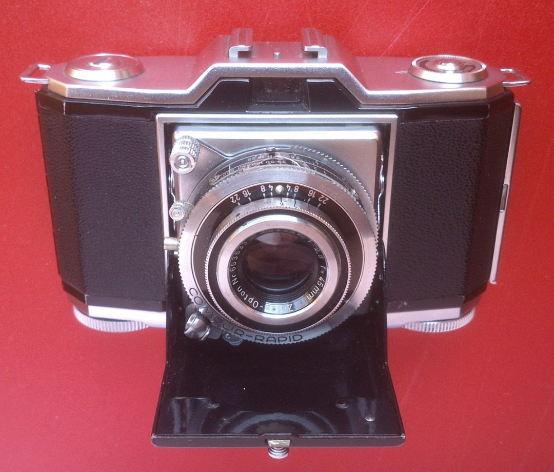 A few more than) 5 frames with a Zeiss Ikonta B 522/24 - by