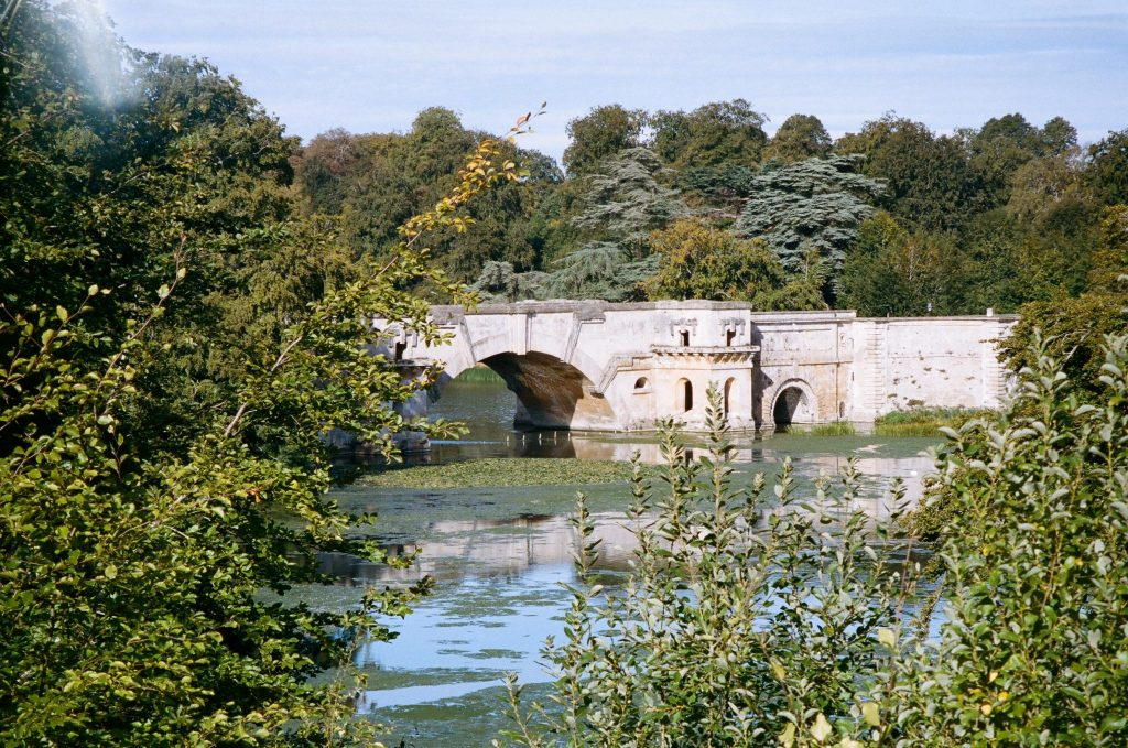 Photo of landscape with bridge with the Konica Z-up 150 VP