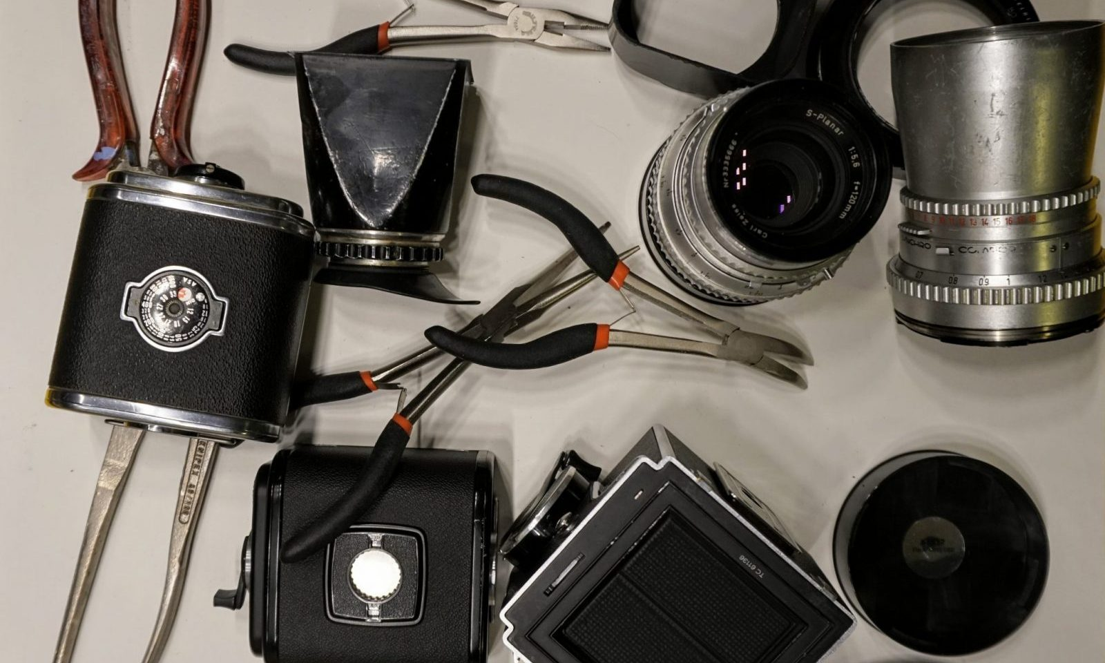Function and Repair of Hasselblad Film Backs (A12 and others) – By Arild Edvard Båsmo