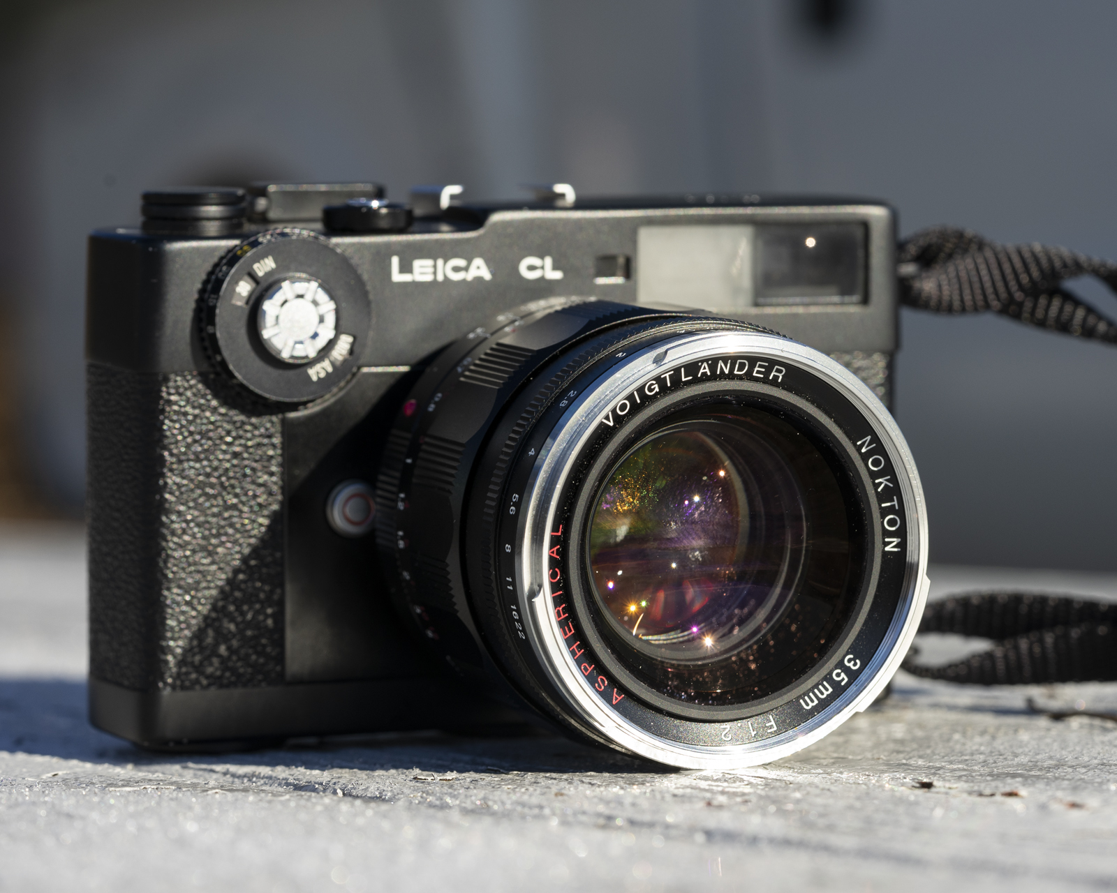 Voigtlander 35mm Nokton f/1.2 Mini-Review - One of the fastest 35's around - By Ryan HK