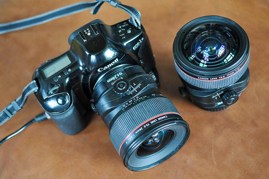 Canon EOS 1N SLR camera equipped with a 24 shift lens