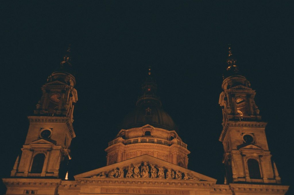 Olympus 35RC in Budapest at night