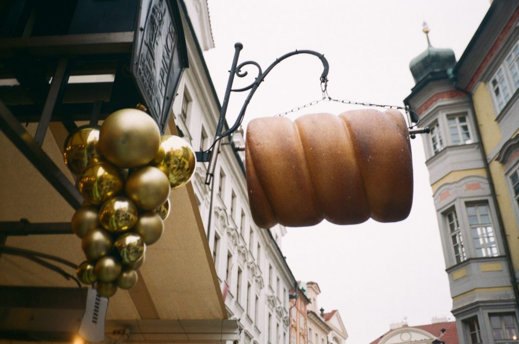 Prague photographed with Yashica T4
