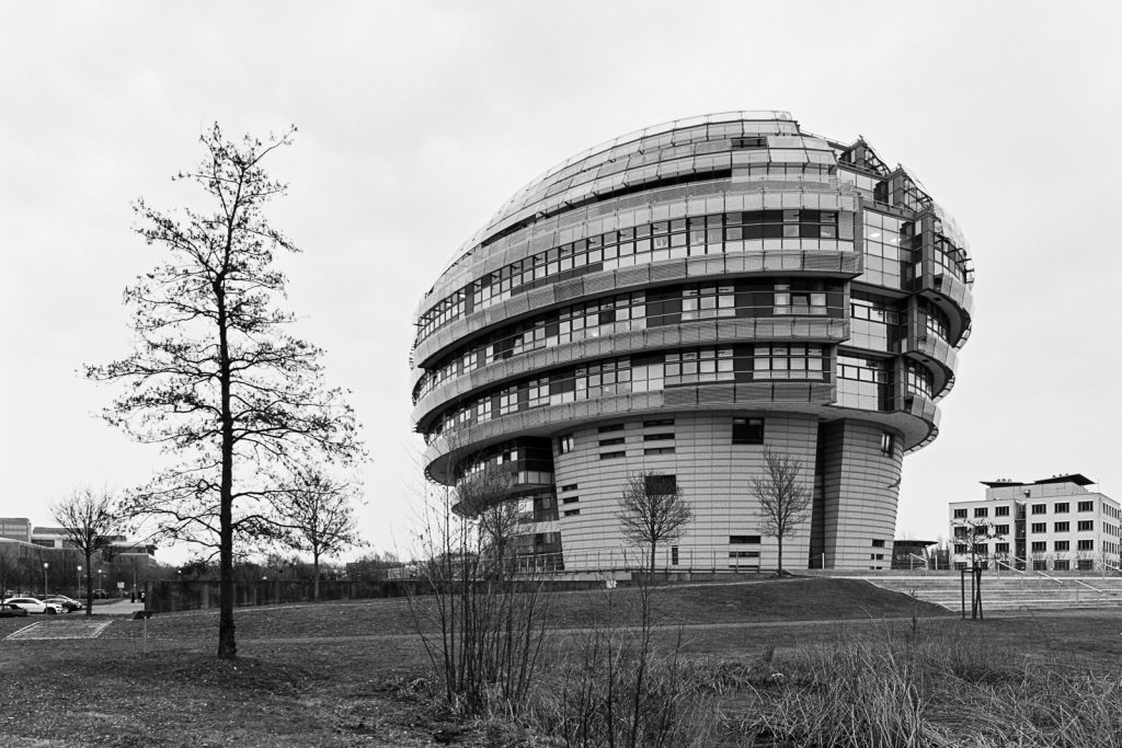 Image of the International Neuroscience Institute located at Hannover, Germany.