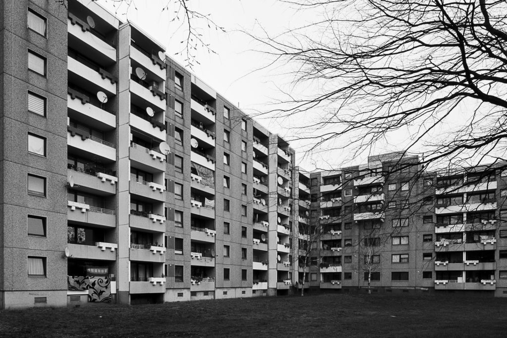 Photograph of apartment block located in Sahlkamp quarter of Hannover, Germany.