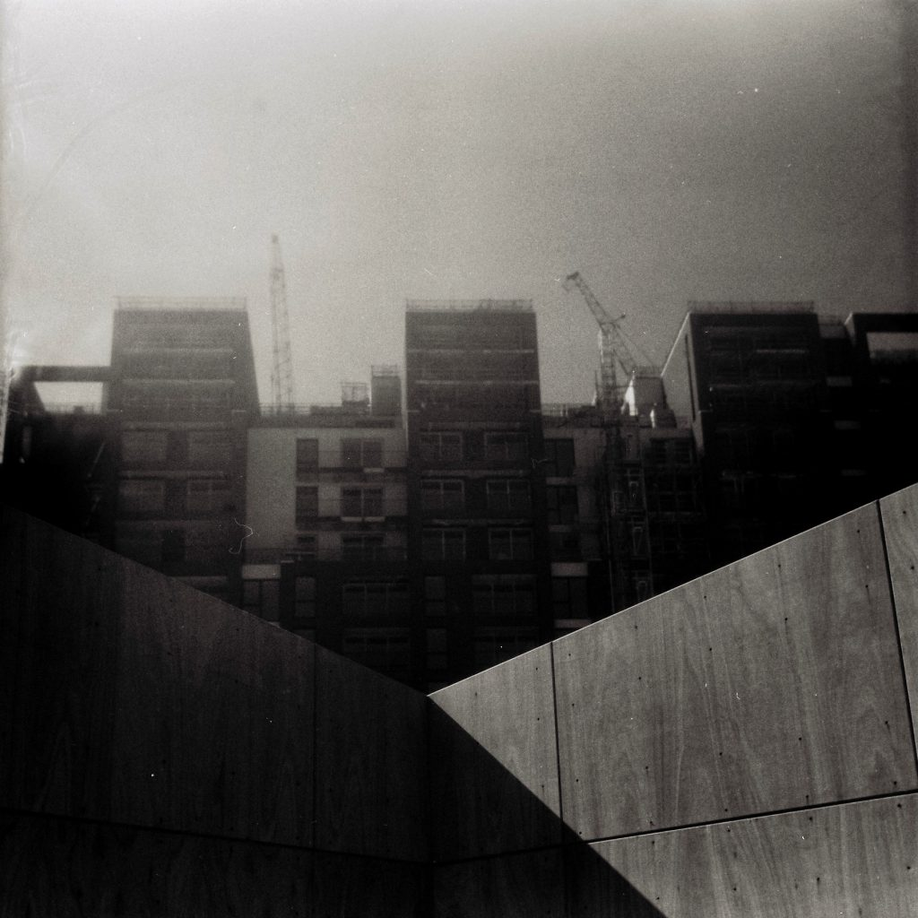 construction of buildings 5 Frames with an AGFA Isolette