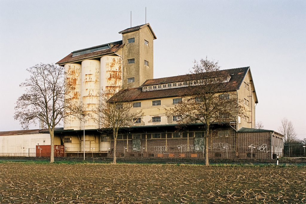 Color image of the abandoned grain elevator located southerly of Hannover, Germany.