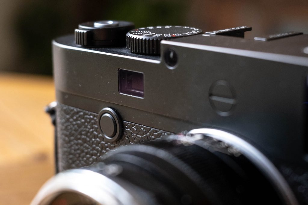 Leica M10-P front button