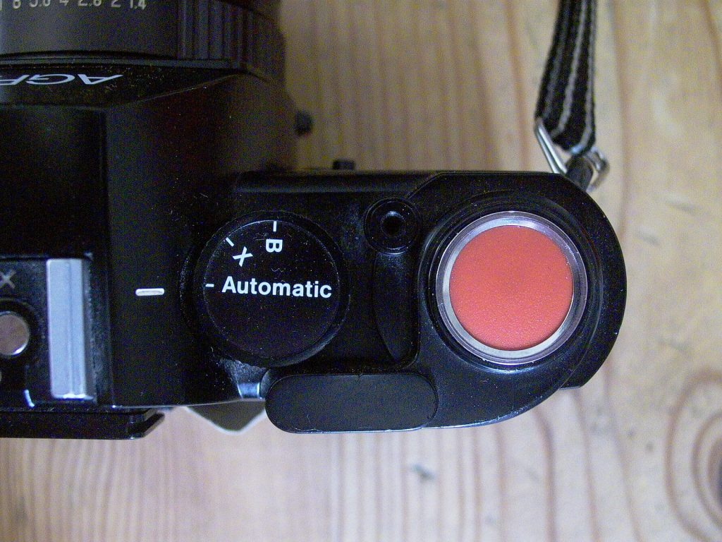 a photo of a selectronic 2 camera shutter release button
