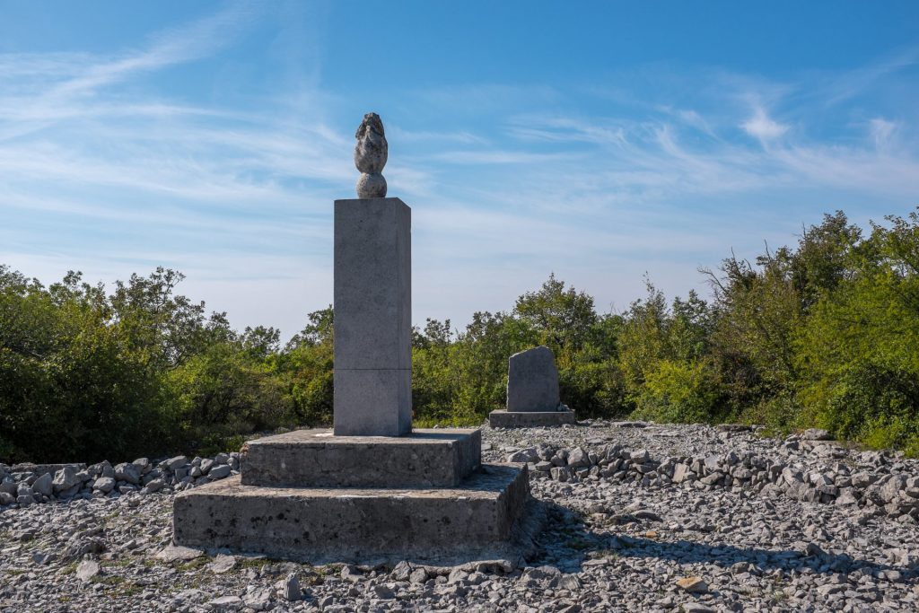 Monument on Hill 141