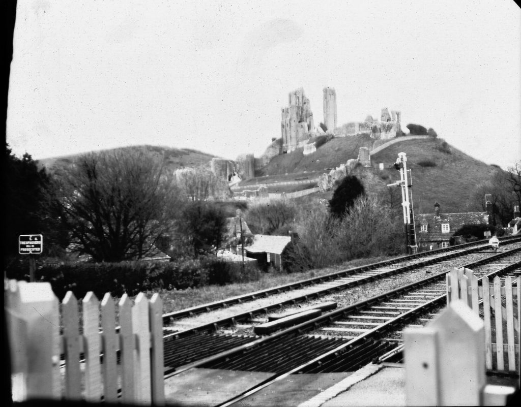 Corfe castle from station