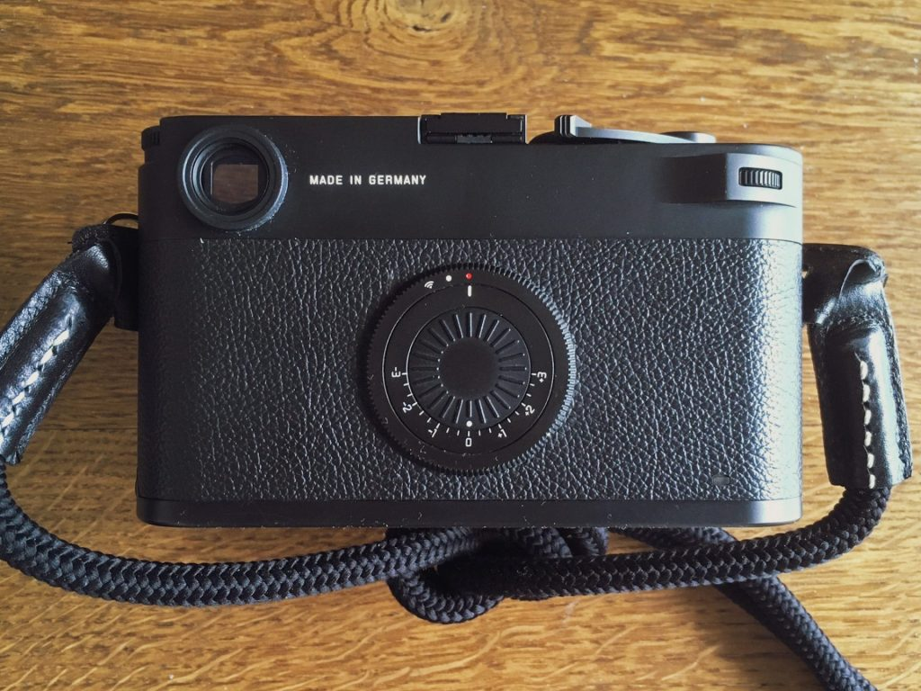 Backside of Leica M10-D with the rotating dials