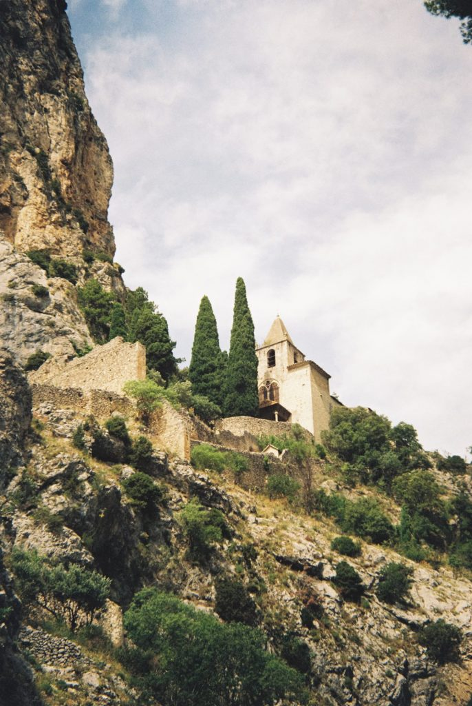 A small church high up in the mountains.Voigtländer Bessamatic DeLuxe using the Zoomar lens and Kodak Gold 200